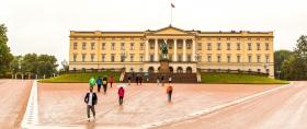 挪威奥斯陆王宫,护卫很亮眼