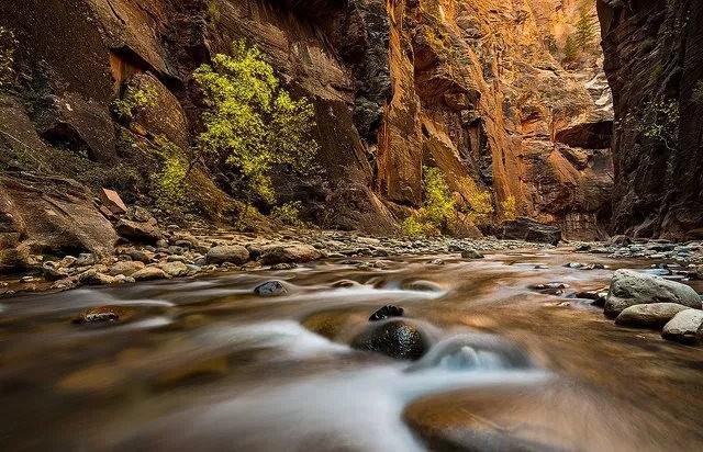 拍攝維京河窄谷_圖1-2