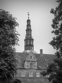 丹麦腓特烈堡城堡,黑白见魅力