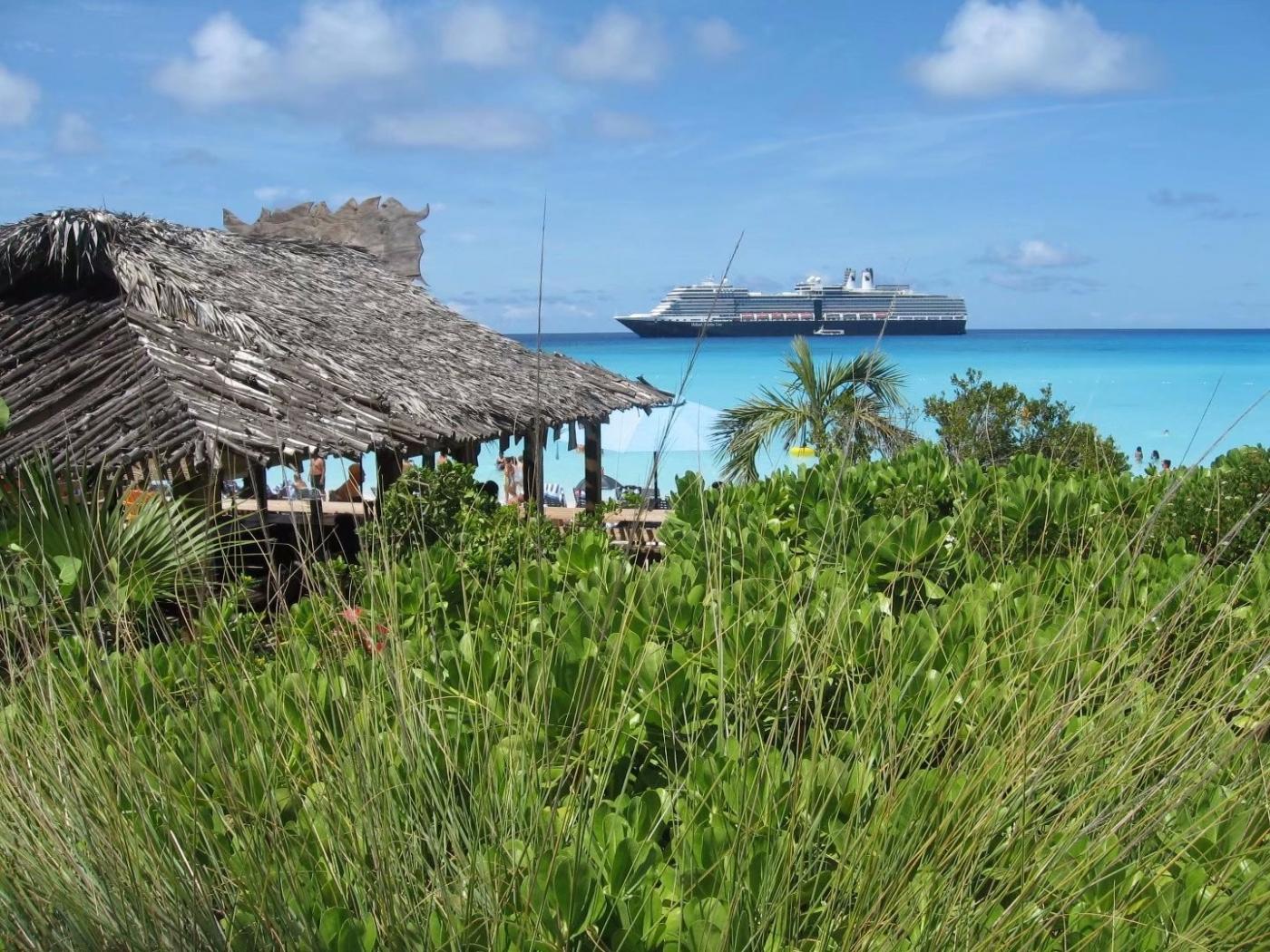 加勒比海上的半月礁(图)_图1-12