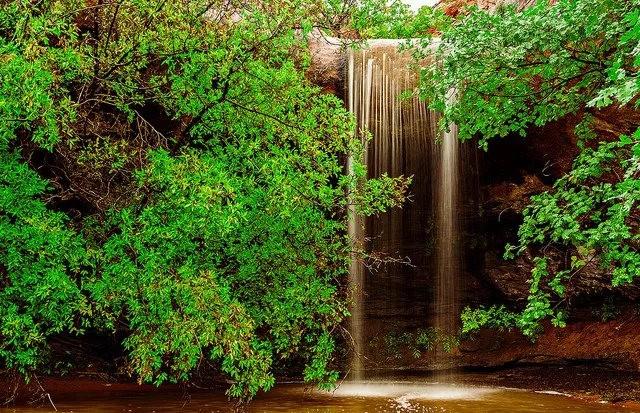 瀑布与彩虹_图1-8