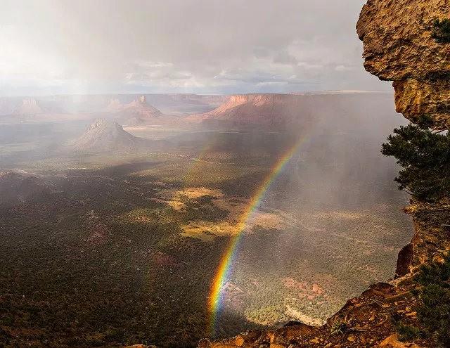 瀑布与彩虹_图1-20