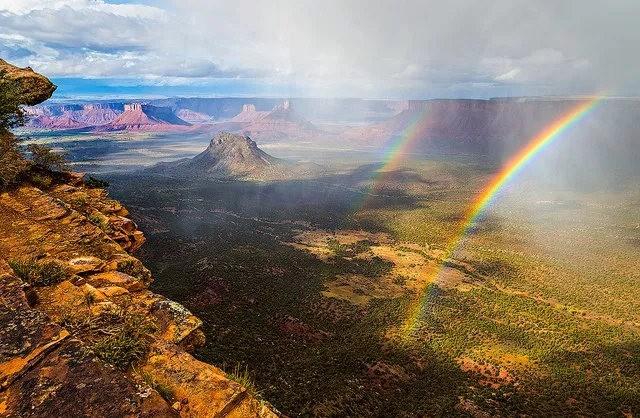 瀑布与彩虹_图1-21