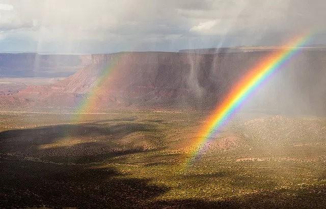 瀑布与彩虹_图1-22