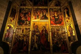 西班牙巴伦西亚主教堂,墙上的
