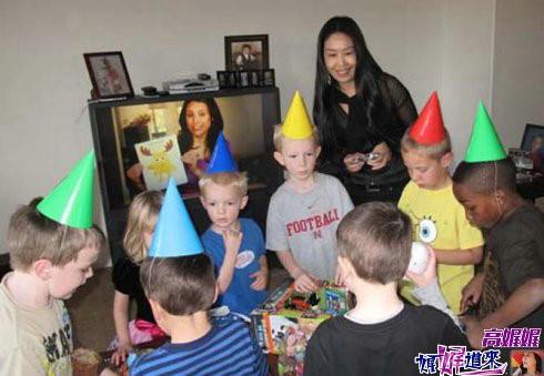 高娓娓:教孩子中文从娃娃抓起的美国人_图1-5