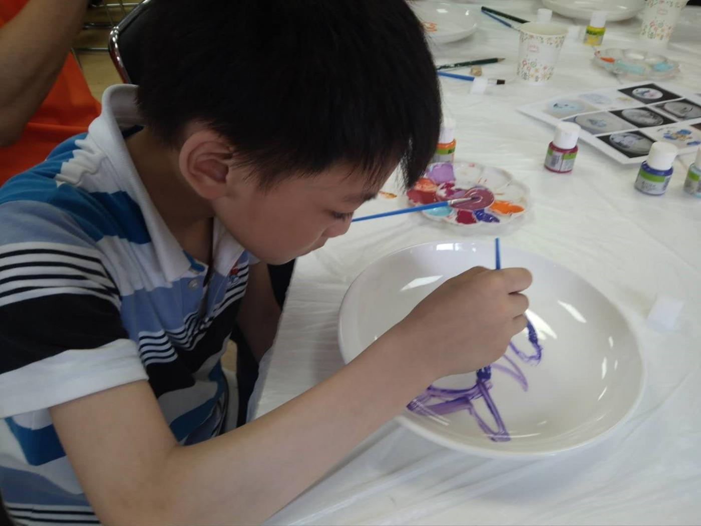 瓷盘彩色绘画_图1-2