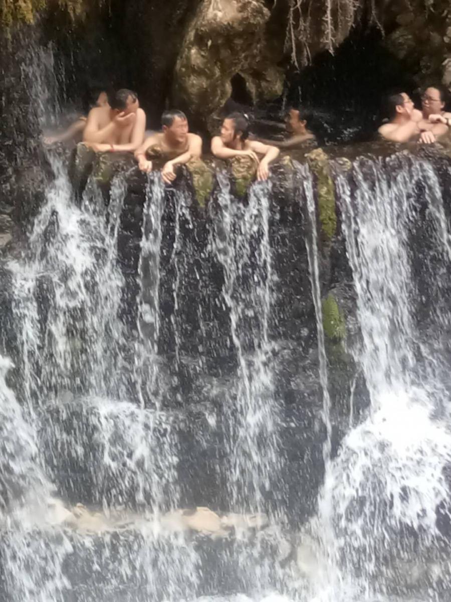 瀑布也温泉?_图1-18
