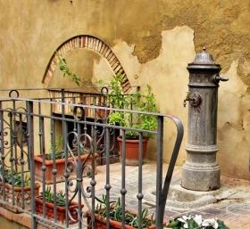 比博纳----意大利中世纪的老城镇