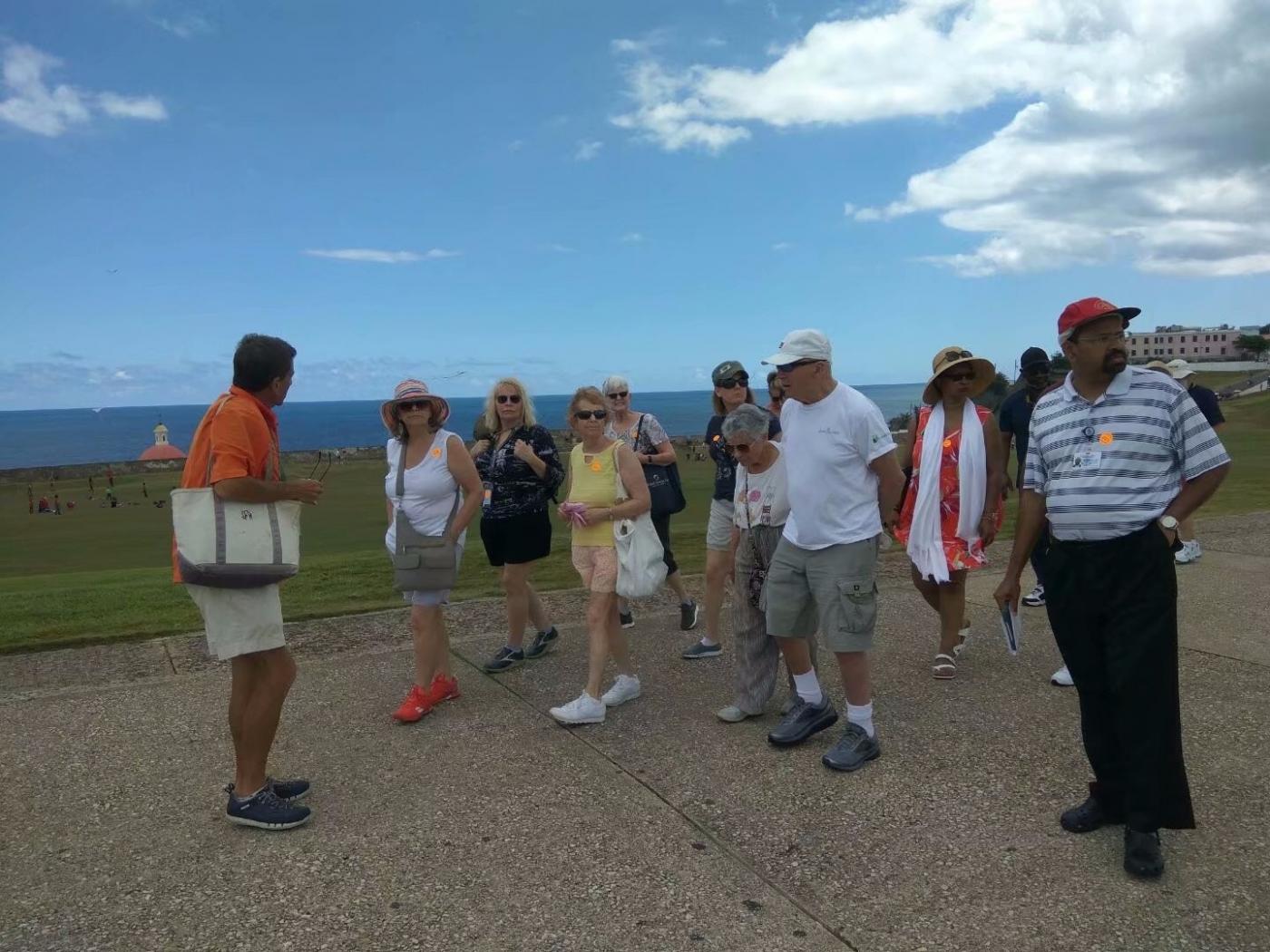 加勒比好人:细心的导游员_图1-2