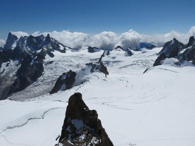 从南针峰.观看阿尔卑斯山全景_图1-30