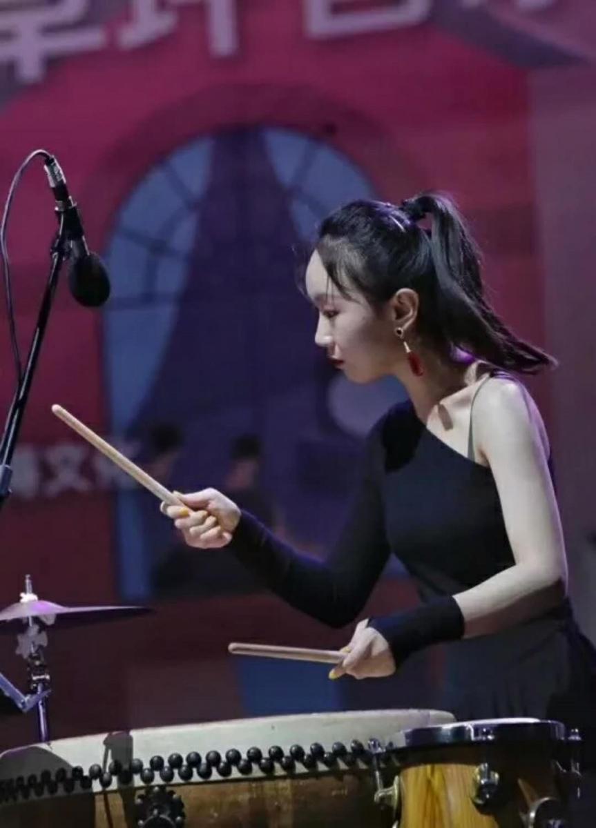上海城市草坪音乐会:古筝与锁呐_图1-1