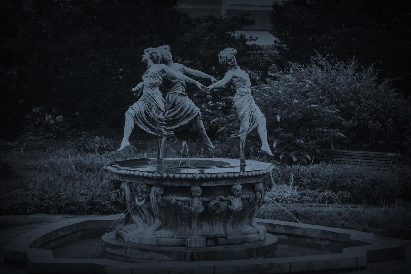 丹麦美人鱼雕像,雕塑家妻子为蓝本_图1-3