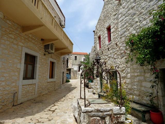 阿雷奥波利--石造的小镇(希腊)_图1-9