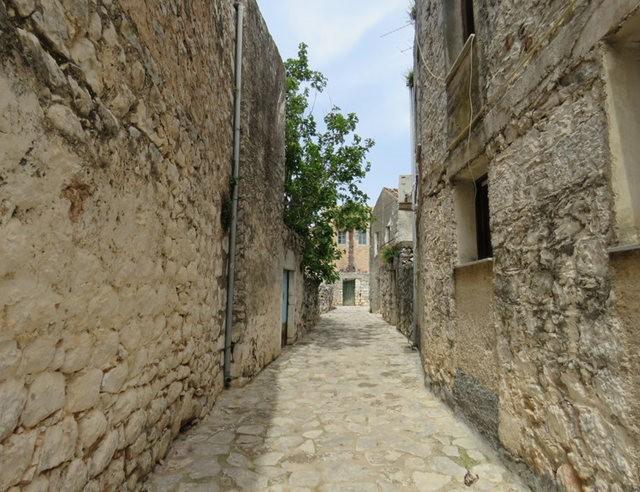 阿雷奥波利--石造的小镇(希腊)_图1-21