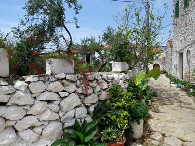 阿雷奥波利--石造的小镇(希腊)_图1-23