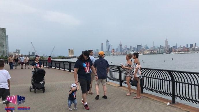 高娓娓:《娓娓道来》美国国庆-娓娓带你过纽约式国庆_图1-25