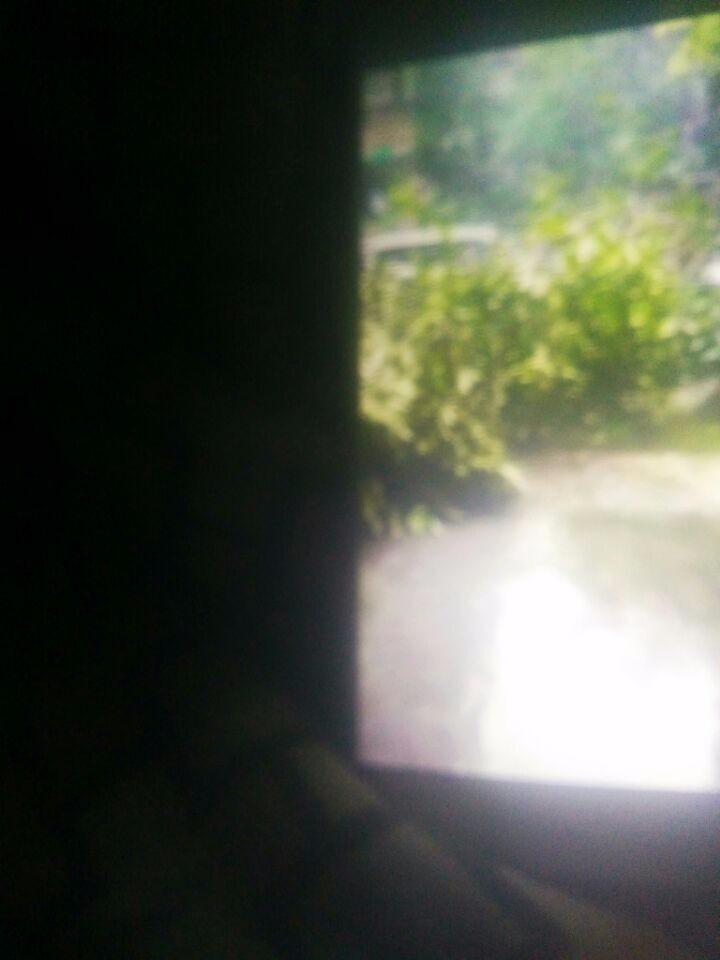 女儿站在单元门口发朋友圈,躲过的危险_图1-7