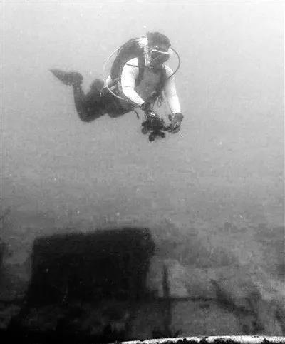 高娓娓:沉痛悼念泰国沉船事件中遇难的同胞_图1-18
