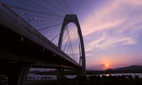 夕阳下之桥韵