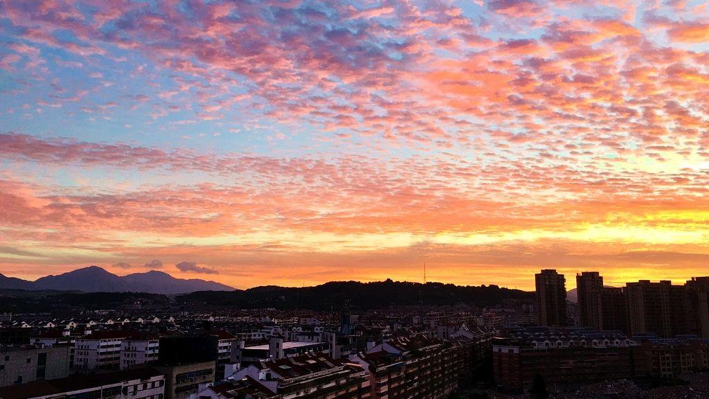 早晨最漂亮的火烧云_图1-2