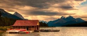 加拿大马林湖(Maligne Lake),好山好水好地