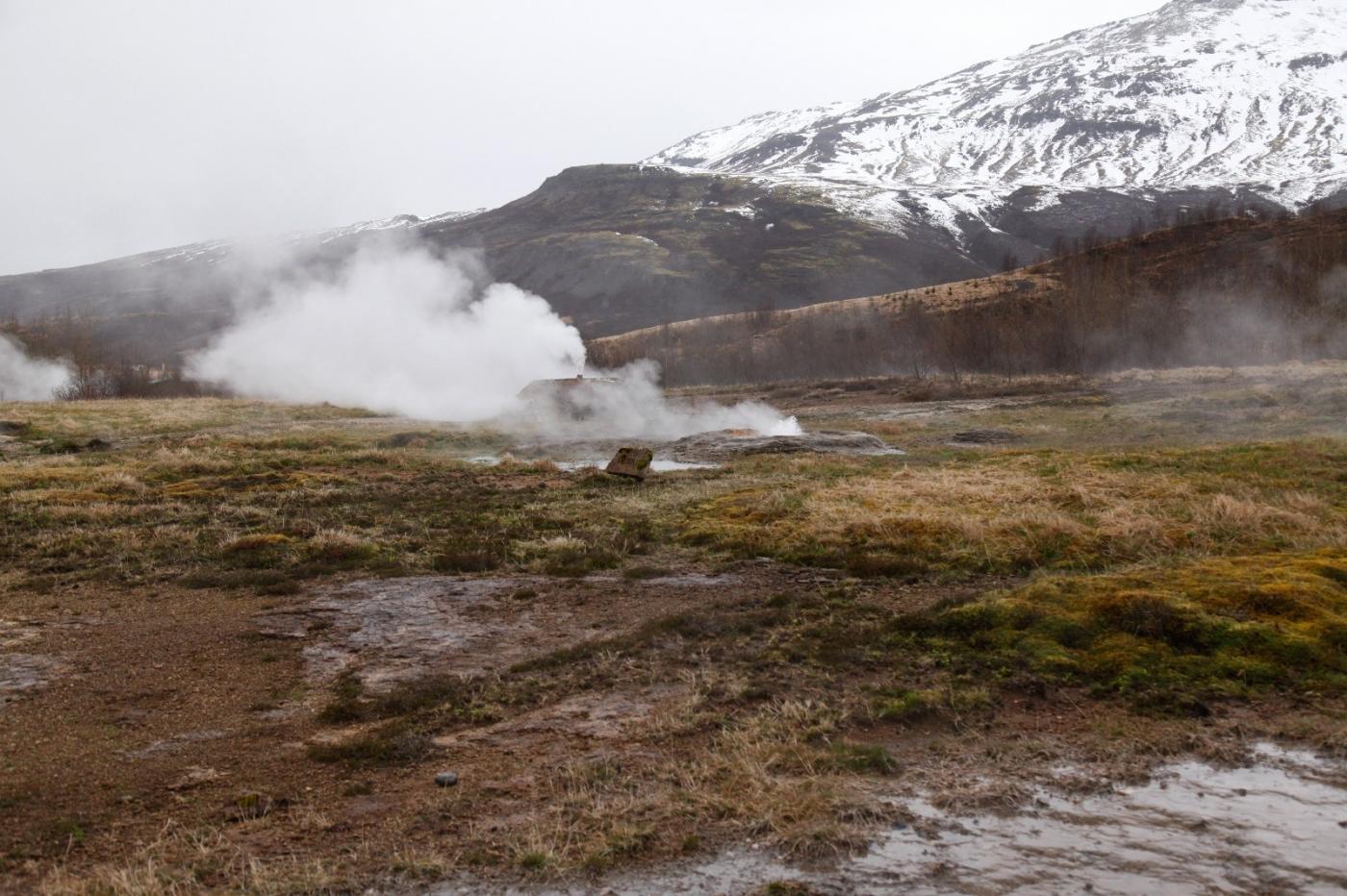 冰岛热带温泉美景,游客流连忘返_图1-1