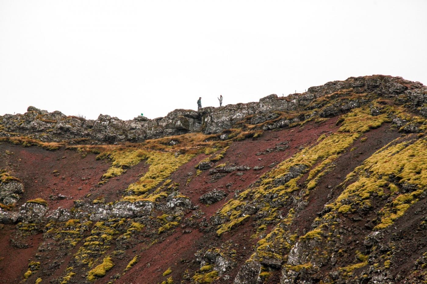 冰岛热带温泉美景,游客流连忘返_图1-4
