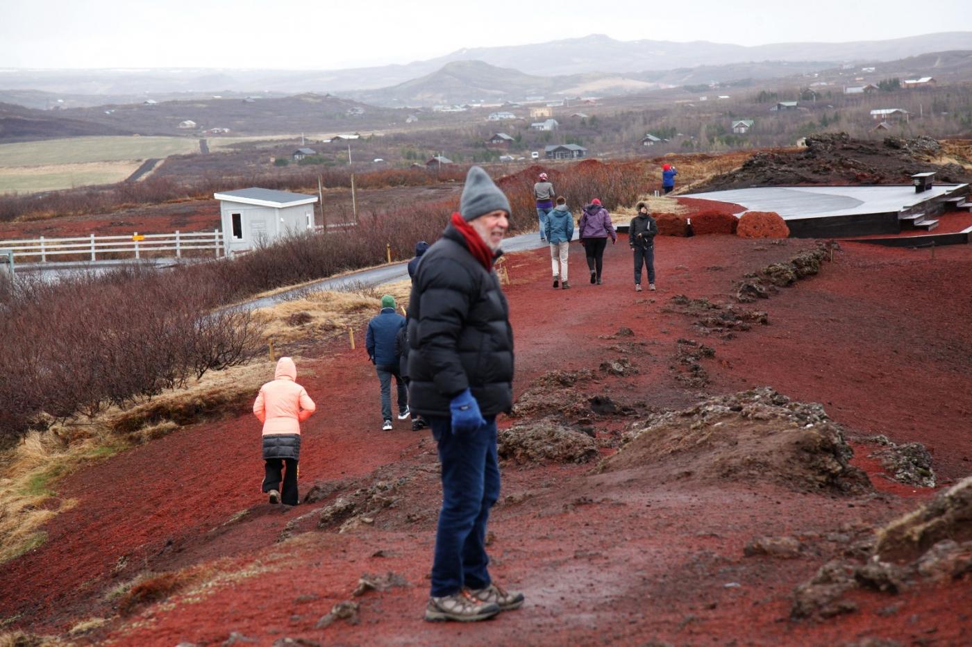 冰岛热带温泉美景,游客流连忘返_图1-7