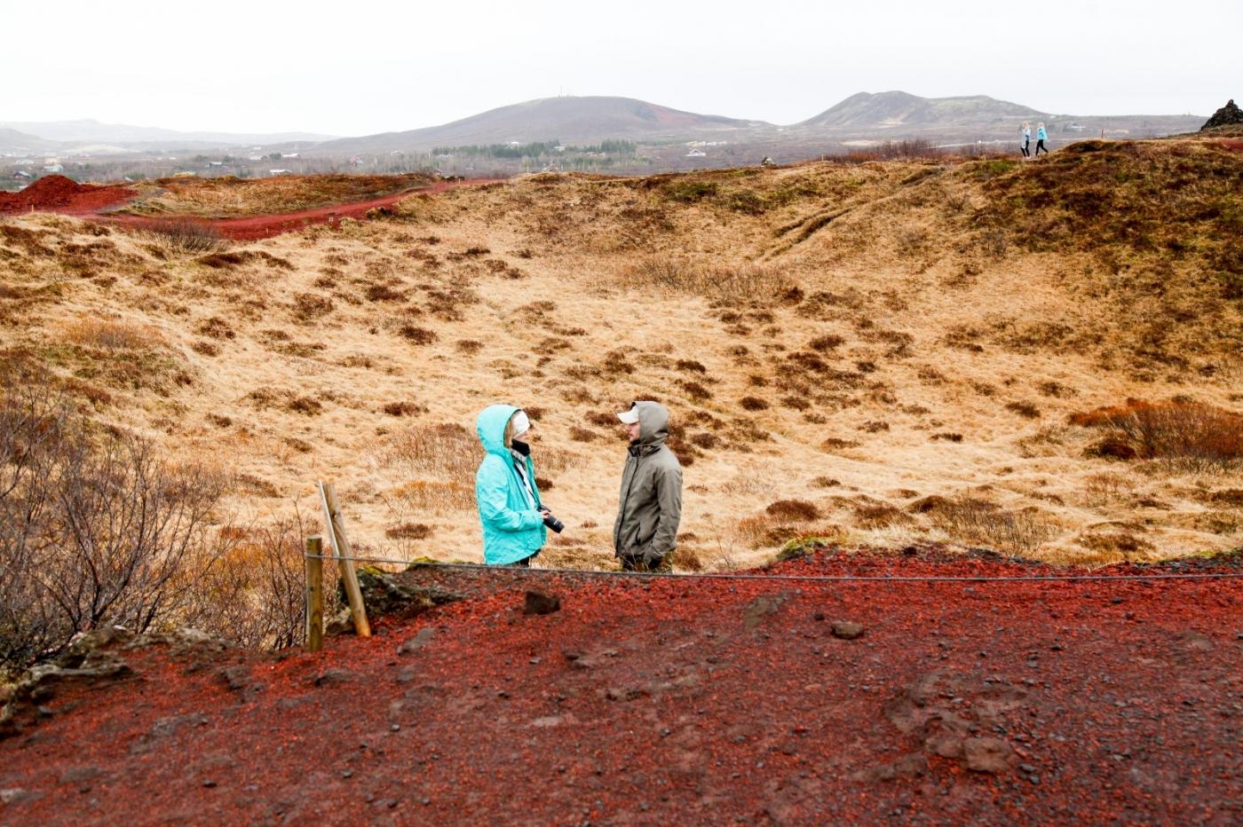 冰岛热带温泉美景,游客流连忘返_图1-10