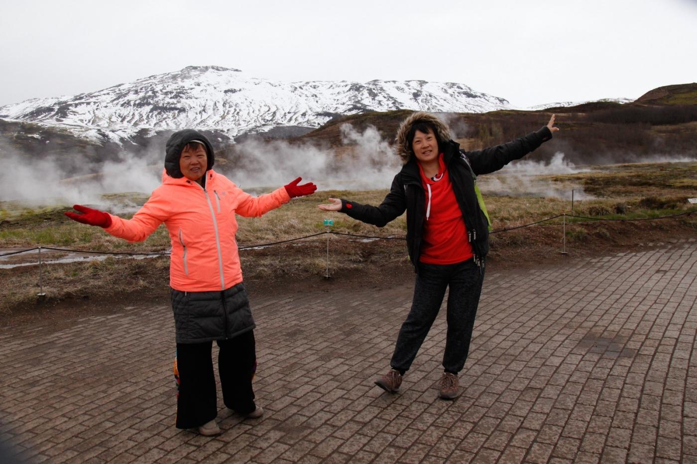 冰岛热带温泉美景,游客流连忘返_图1-11