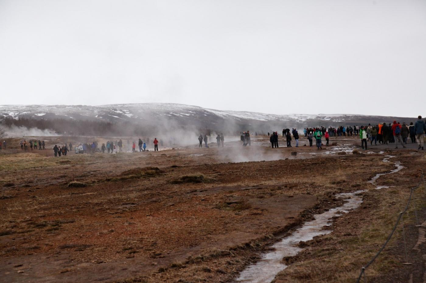 冰岛热带温泉美景,游客流连忘返_图1-15
