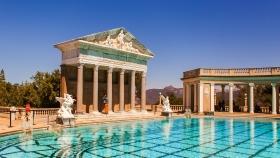 加州赫斯特城堡,超艺术露天游泳池