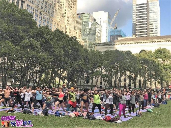 """高娓娓:美国人跳什么""""广场舞""""?一千人一起练瑜伽你见过吗? ..._图1-14"""