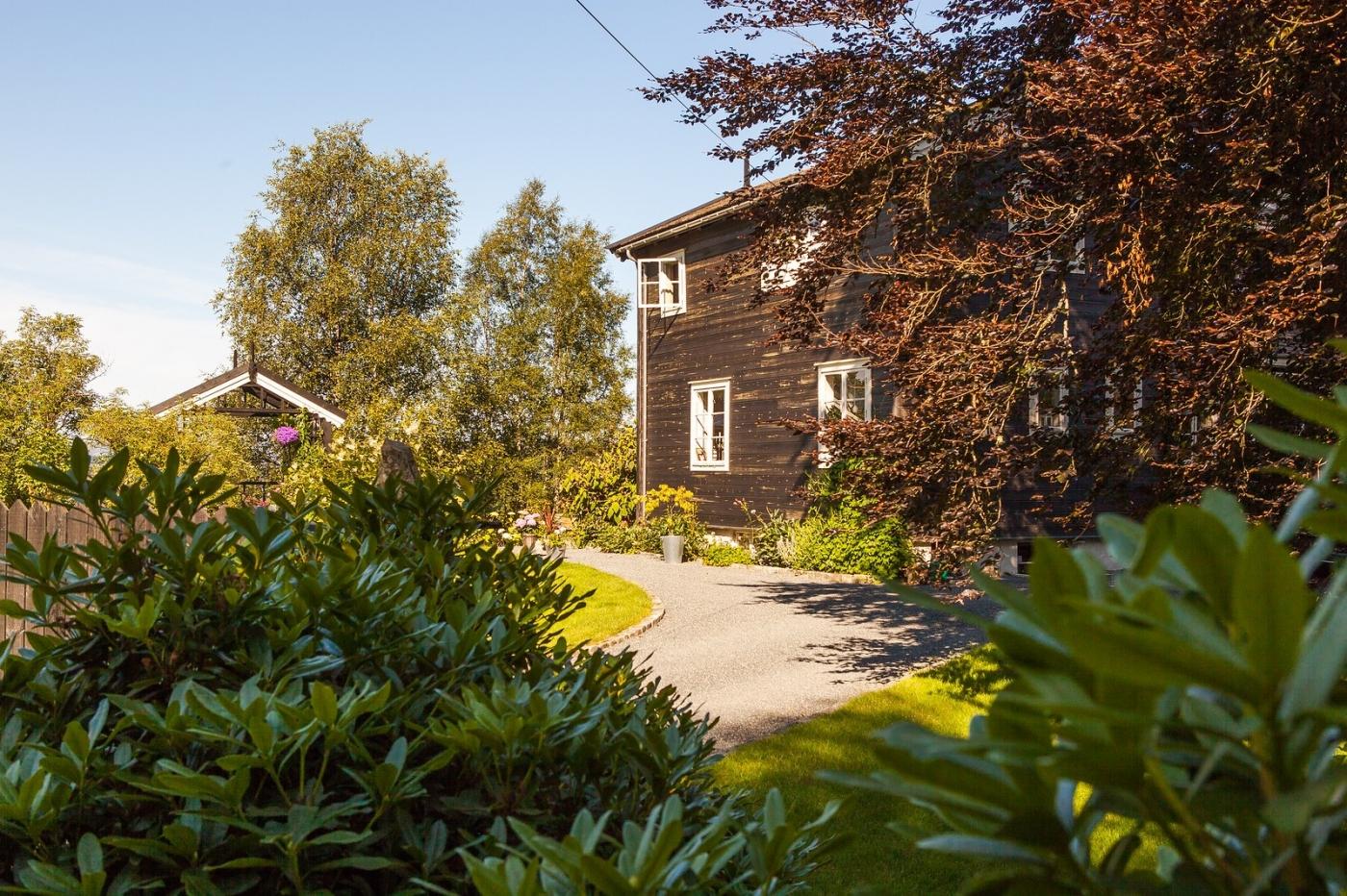挪威作曲家爱德华-格里格,故居环境很漂亮_图1-13