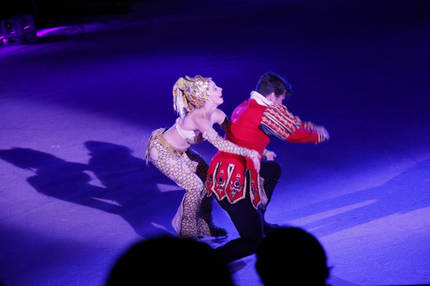 在海洋绿洲号游轮,观看冰上芭蕾,花样溜冰专场演出_图1-10