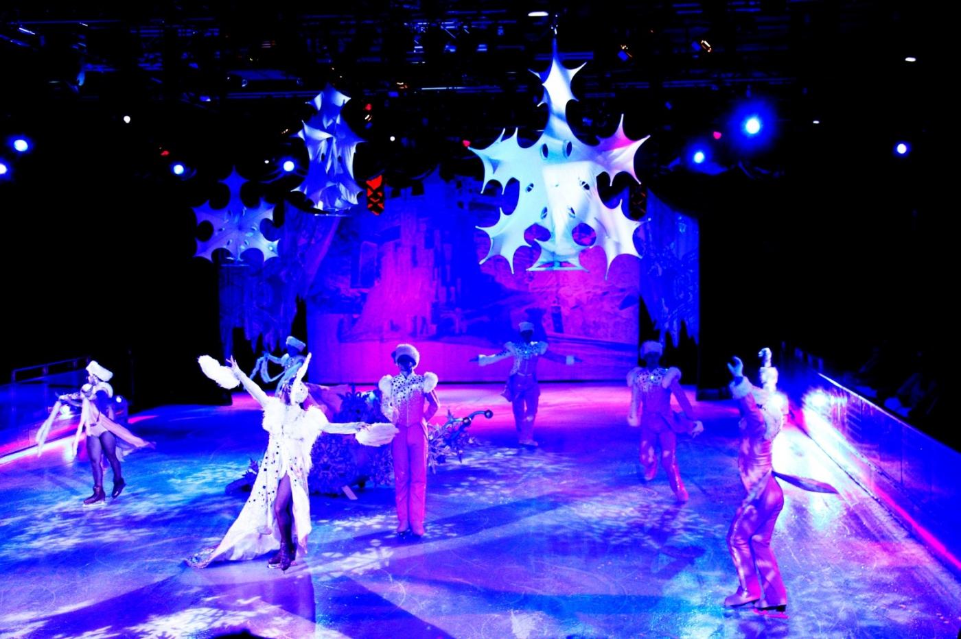 在海洋绿洲号游轮,观看冰上芭蕾,花样溜冰专场演出_图1-19