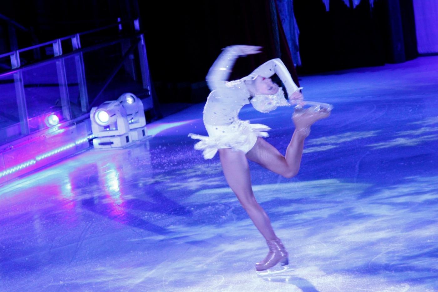 在海洋绿洲号游轮,观看冰上芭蕾,花样溜冰专场演出_图1-24