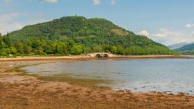 苏格兰美景,眼前的浅滩石桥