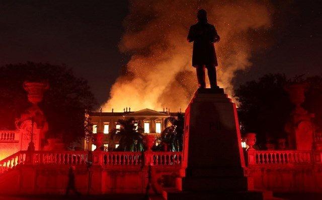 2000万件文物在一场大火中惨被烧毁_图1-3