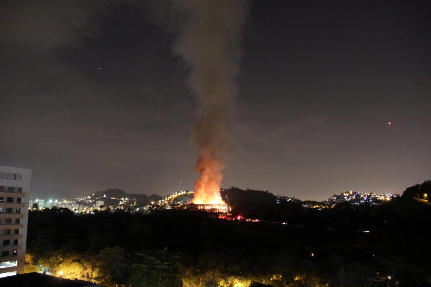 2000万件文物在一场大火中惨被烧毁_图1-2
