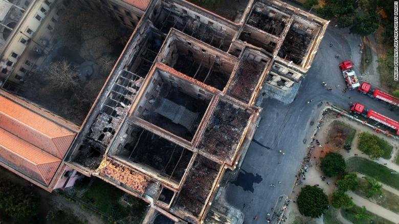 2000万件文物在一场大火中惨被烧毁_图1-7