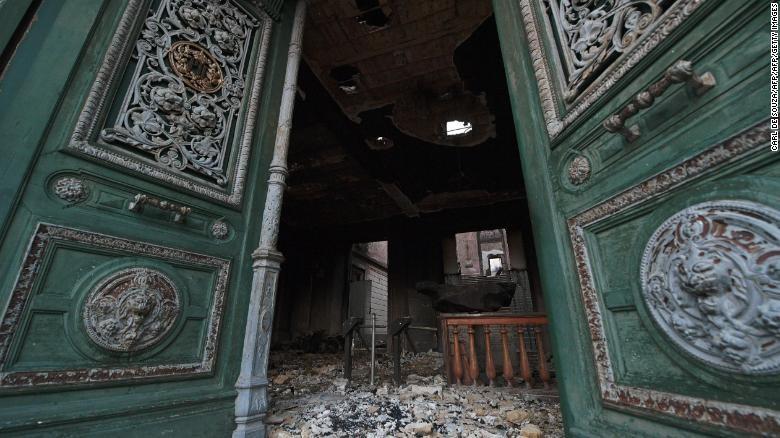 2000万件文物在一场大火中惨被烧毁_图1-8