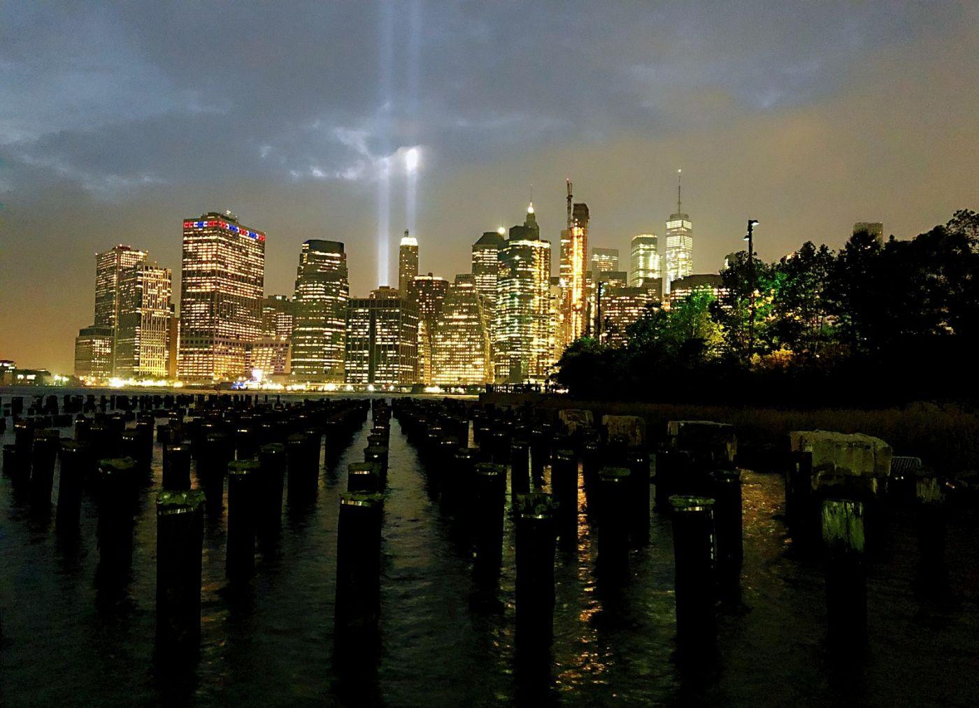 【田螺手机摄影】拍摄灯柱纪念911恐襲17周年_图1-2