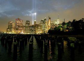 【田螺手机摄影】拍摄灯柱纪念911恐襲17周