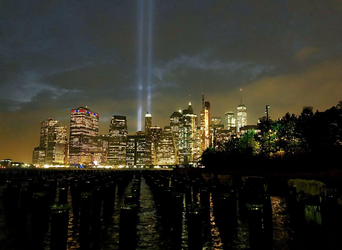 【田螺手机摄影】拍摄灯柱纪念911恐襲17周年_图1-4