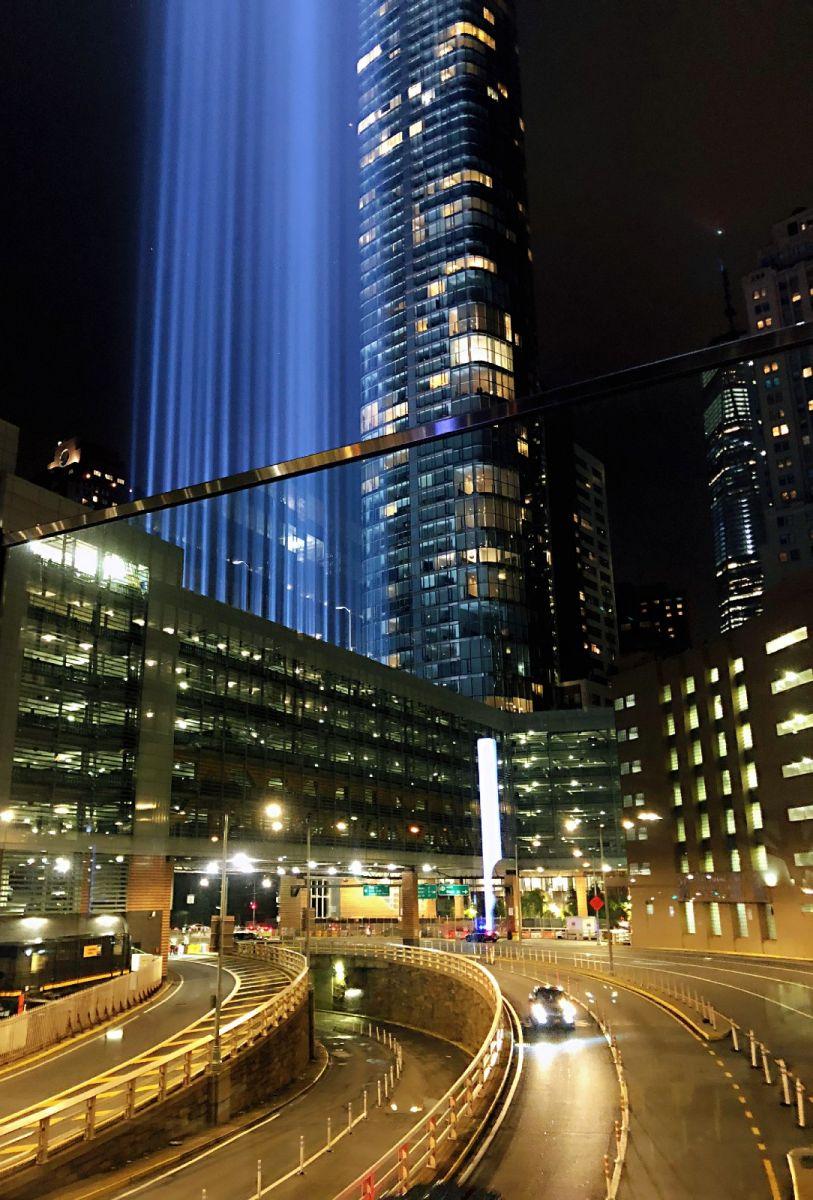 【田螺手机摄影】拍摄灯柱纪念911恐襲17周年_图1-7