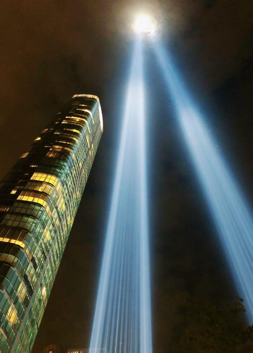 【田螺手机摄影】拍摄灯柱纪念911恐襲17周年_图1-10
