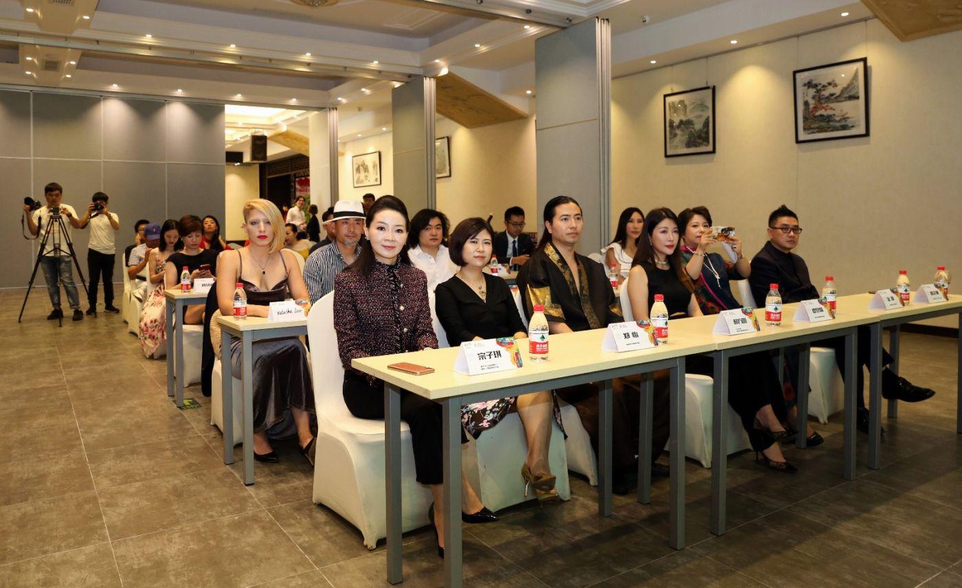 """""""聚画·中国""""国际少儿美术大赛新闻发布会在上海举行_图1-2"""