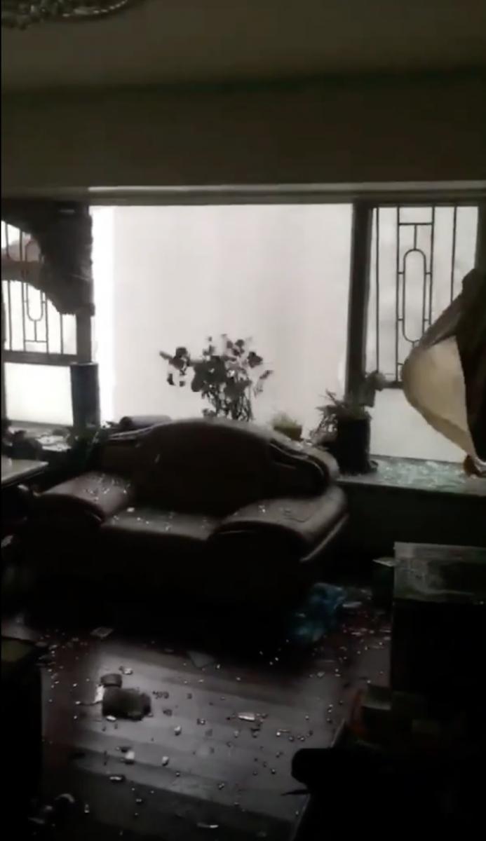 惨不忍睹:狂风袭击下的美国和香港_图1-8